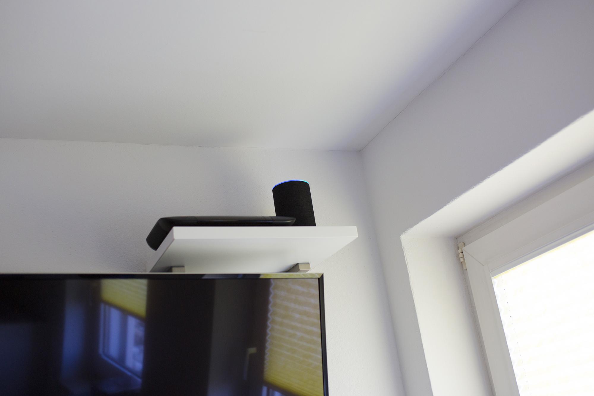 alexa im smart home. Black Bedroom Furniture Sets. Home Design Ideas